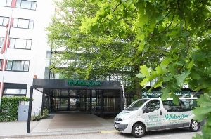 Holiday Inn City West (4*)