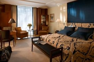 Adlon Kempinski -15 deluxe rooms  (*)
