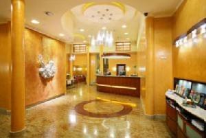 Hotel Adria (*)